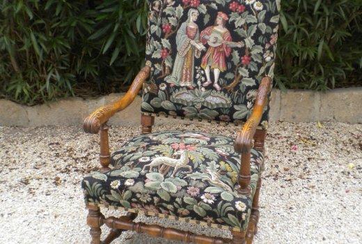 Atelier d'un Siège à l'Autre Rénovation restauration de fauteuils Arles Avant