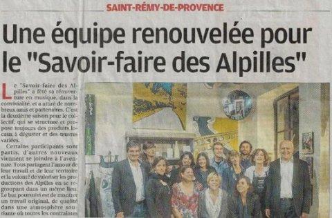 """Tapissier d'ameublement Arles journal """"La Provence"""" : """"Une équipe renouvelée pour le """"Savoir-faire des Alpilles""""."""