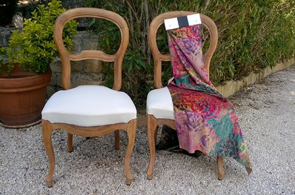 Paire de chaises en noyer à vendre